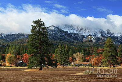 Photograph - Autumn Windmill At Thompson Peak by James Eddy