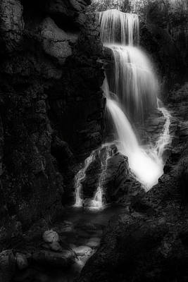 Photograph - Avalanche Falls Flume Gorge by Bill Wakeley