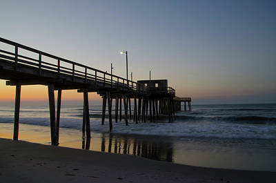 Avalon - Morning At The 32nd Street Pier Art Print