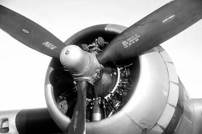 Photograph - B 17 Engine by David Lee Thompson