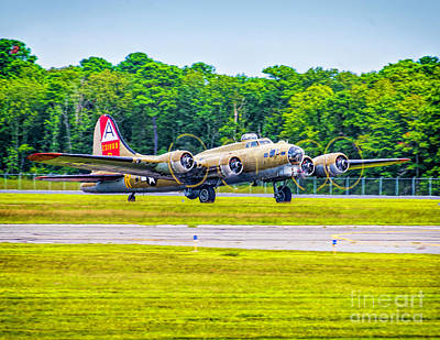 Photograph - B-17g Flying Fortress Taxiing by Nick Zelinsky
