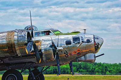 B17 Bomber Side View Art Print by Thomas Woolworth