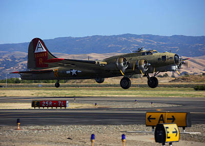 Photograph - B17 Flying Fortress 909 Departs Livermore by John King