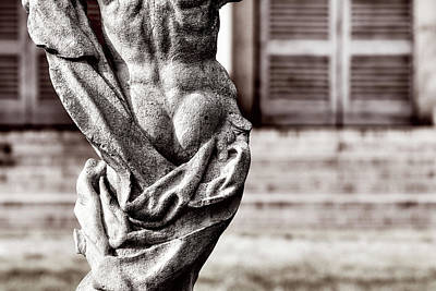 Photograph - Back Statue by Roberto Pagani