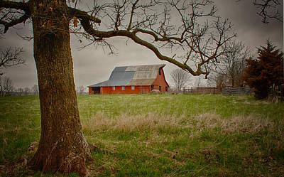 Photograph - Backroads Barn by Linda Shannon Morgan
