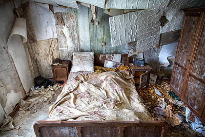 Haunted House Photograph - Bad Dream Bedroom - Abandoned House  by Dirk Ercken