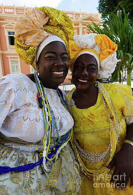 Photograph - Bahai Women Salvador Brazil 11 by Bob Christopher