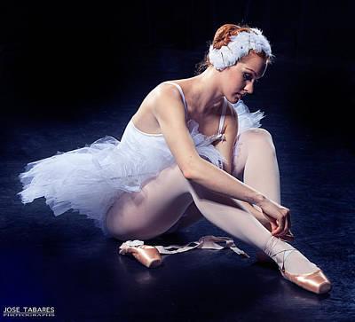 Bailarina Photograph - Bailarina Se Ajusta Las Zapatillas by Jose Tabares