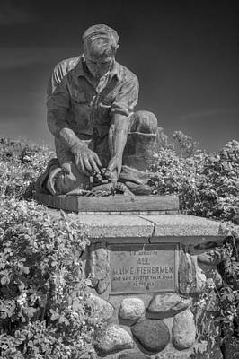 Photograph - Bailey Island Lobsterman by Guy Whiteley
