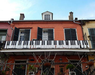 Balcony Musician In The French Quarter Art Print