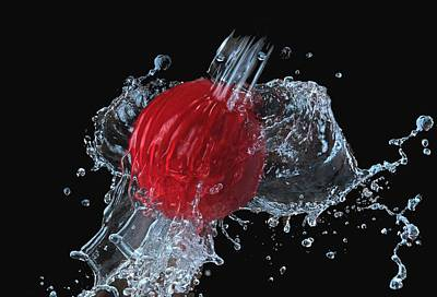 Photograph - Ball With Water Splash by Manfred Lutzius