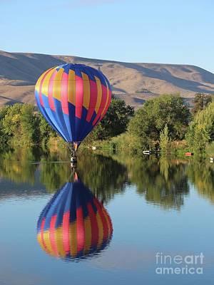 Photograph - Balloon Gliding On The Yakima River by Carol Groenen