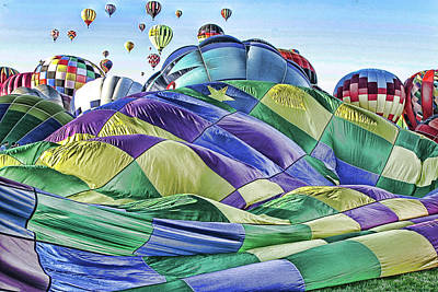 Ballooning Waves Art Print