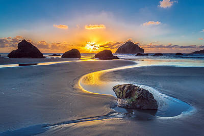 Northwest Photograph - Bandon Face Rock by Robert Bynum