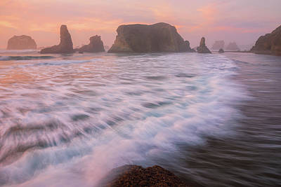Photograph - Bandon's Sunset Rush by Darren White