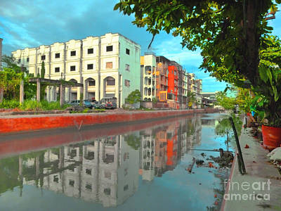 Photograph - Bangkok Reflections by Tara Turner