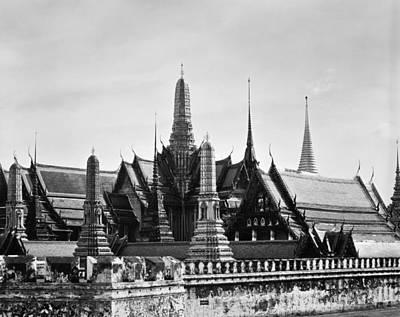 Photograph - Bangkok: Wat Phra Keo by Granger