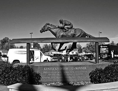 Horse In The Run Photograph - Barbaro Statue At Churchill Downs In Black And White by Marian Bell
