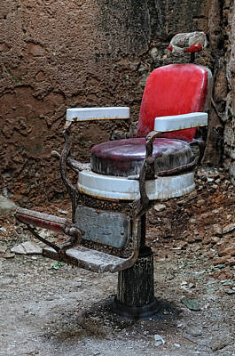 Barber Chair Photograph - Barber Cell Chair by Don Schroder