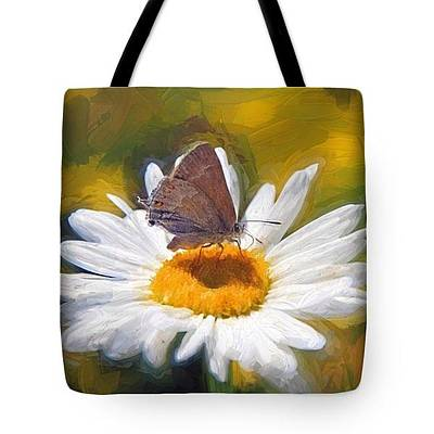 Photograph - Barefoot In The Park - Tote by Donna Kennedy