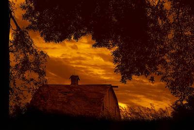 Papillion Photograph - Barn - At Sunset - Nebraska by Nikolyn McDonald