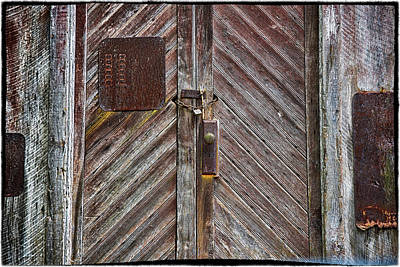 Photograph - Barn Door Appalachia by Steve Archbold