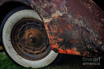 Photograph - Barn Find by Randy Rogers