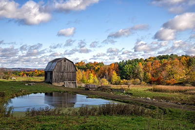 Art Print featuring the photograph Barn In Autumn by Mark Papke
