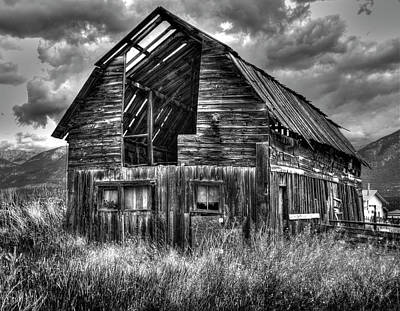 Photograph - Barn In Bc by Wayne Sherriff