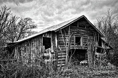 Photograph - Barn In The Clouds by Randy Rogers