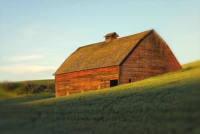 Photograph - Barn In Wheat Field Palouse Wa Dsc04653 by Greg Kluempers