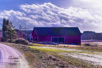 Photograph - Barn by Leif Sohlman