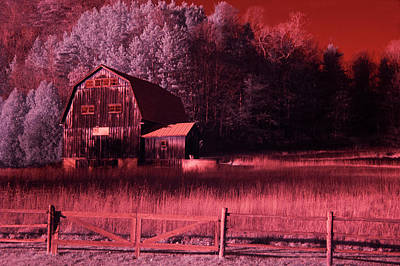 Photograph - Barn Of A Different Color by Emily Stauring