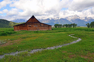 Photograph - Barn On Mormon Row by Alan Lenk