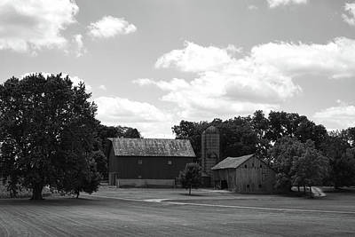 Photograph - barn scene No.2 by Tom Druin