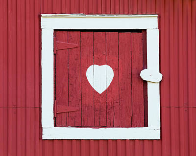 Photograph - Barn Window With Heart by Alan L Graham