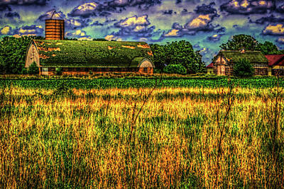 Photograph - Barn With Green Roof by Roger Passman
