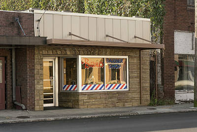 Photograph - Barnes Barber Shopt by Sharon Popek