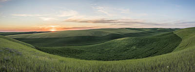 Scenics Photograph - Basin Of Green by Jon Glaser