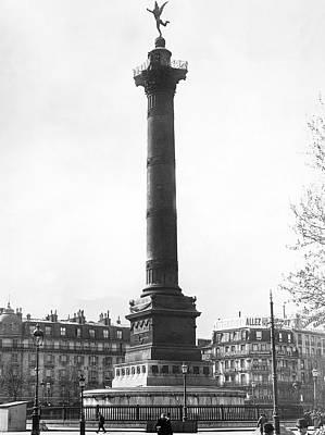 Bastille Monument In Paris Art Print by Underwood Archives