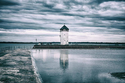 Essex Wall Art - Photograph - Batemans Tower by Martin Newman
