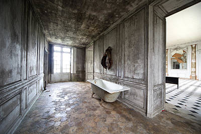 Haunted House Photograph - Bathroom Decay - Urban Exploration by Dirk Ercken