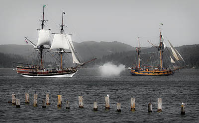 Photograph - Battle Of The Ships by Athena Mckinzie