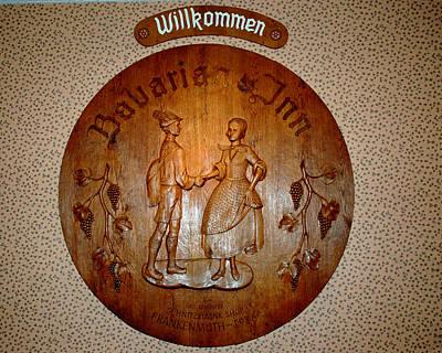 Photograph - Bavarian Inn Willkommen by LeeAnn McLaneGoetz McLaneGoetzStudioLLCcom