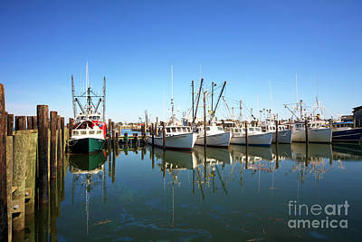 Bay Parking At Long Beach Island Art Print by John Rizzuto