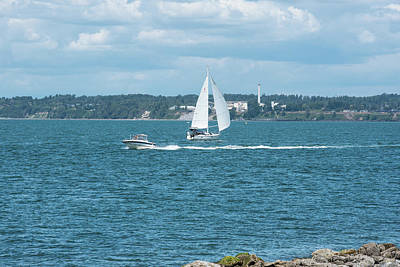 Photograph - Bay Sailing by Tom Cochran