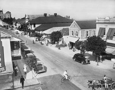 Indy Car Photograph - Bay Street In Nassau by Underwood Archives