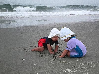 Beach Babies Art Print by Paul Barlo