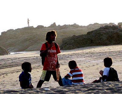 Photograph - Beach Kids by Sarah Hornsby