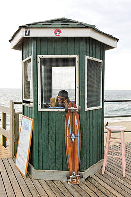 Beach Kiosk Long Branch Nj Art Print by Eric Levin